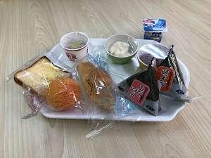 無料朝食:コロナ禍のため個包装にて提供しております。
