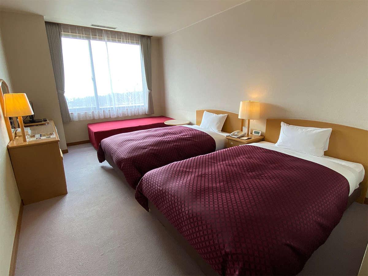 【ツイン】24㎡ の広さとベッド2台でゆったりとお過ごし頂けます。EXベッド利用で3名様までご利用可