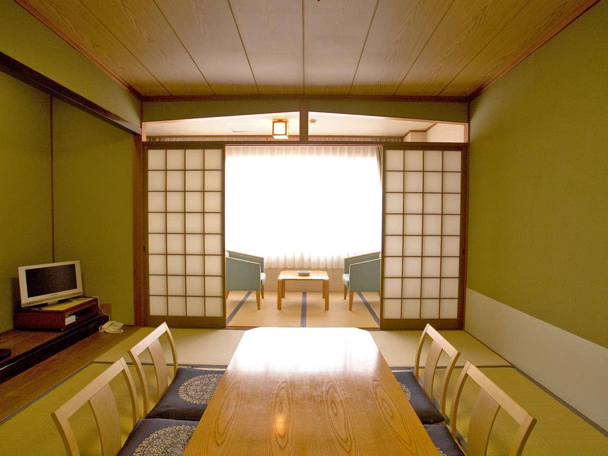客室一例/グループや家族でのご宿泊に◎純和風のお部屋でのんびりとお寛ぎ下さい。