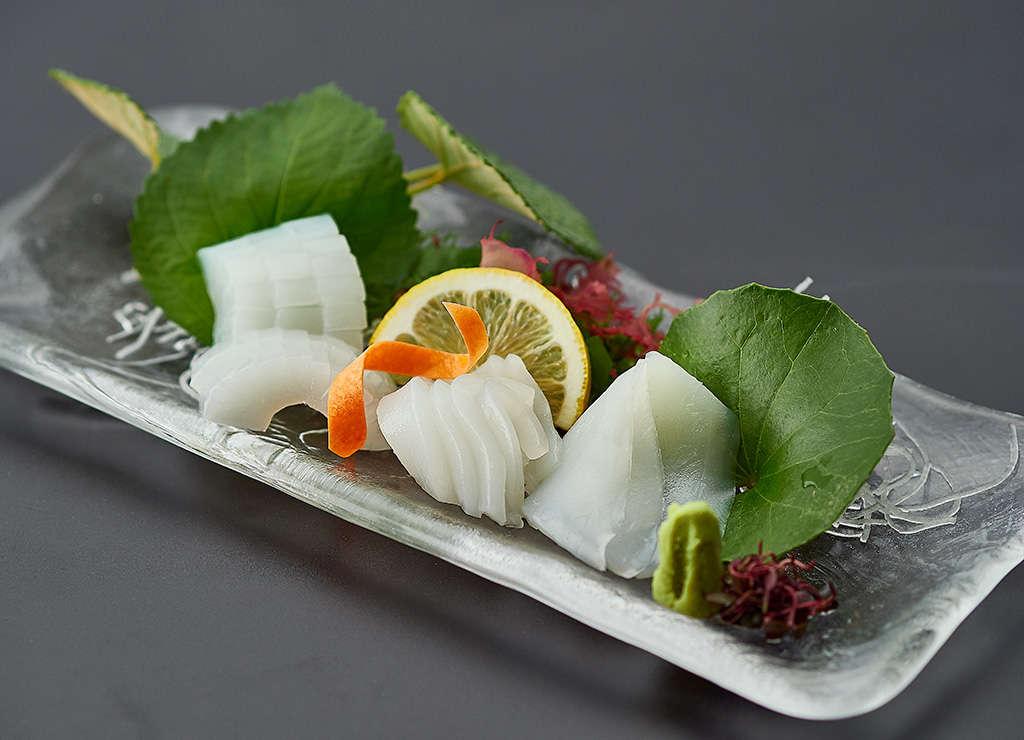 水イカの刺身。柔らかく甘みのある一品。
