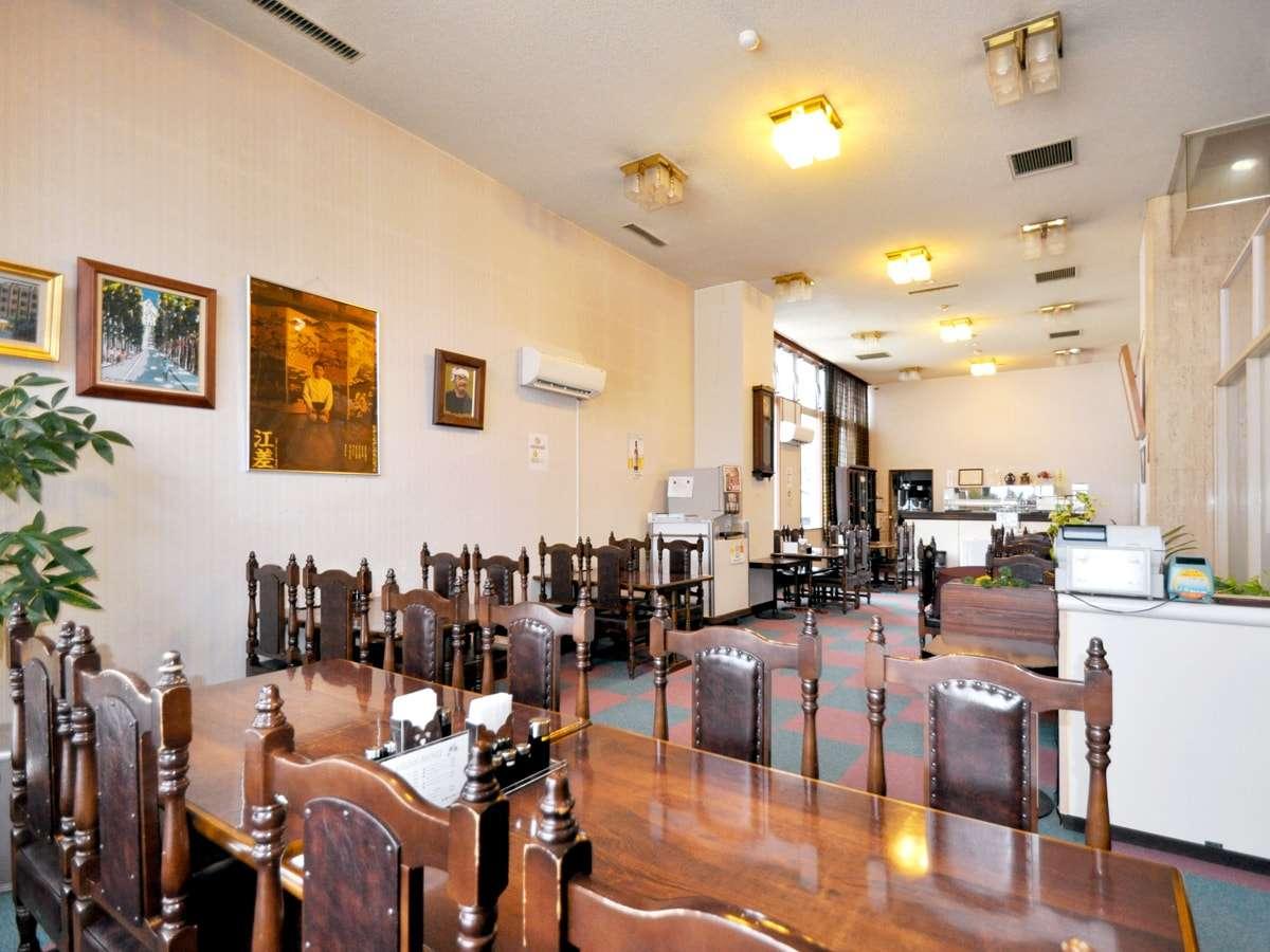 【レストラン】どこか懐かしいモダンな空間。お食事の際はこちらでどうぞ。
