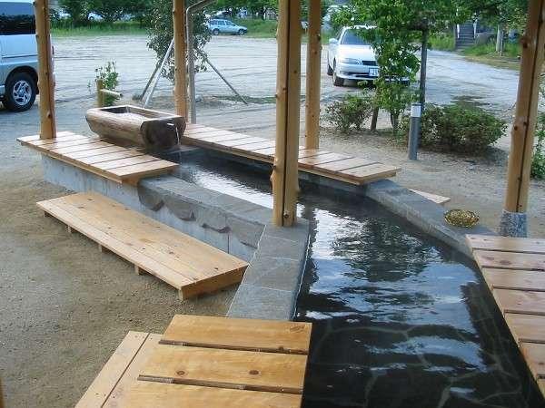 【足湯】昼神温泉には自由にご利用できる足湯が2ヶ所ございます。