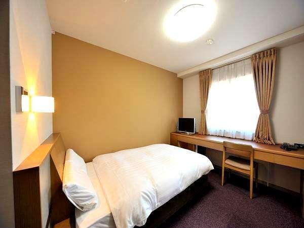 【客室】セミダブルルーム(16平米・ベッド幅120cm×195cm)