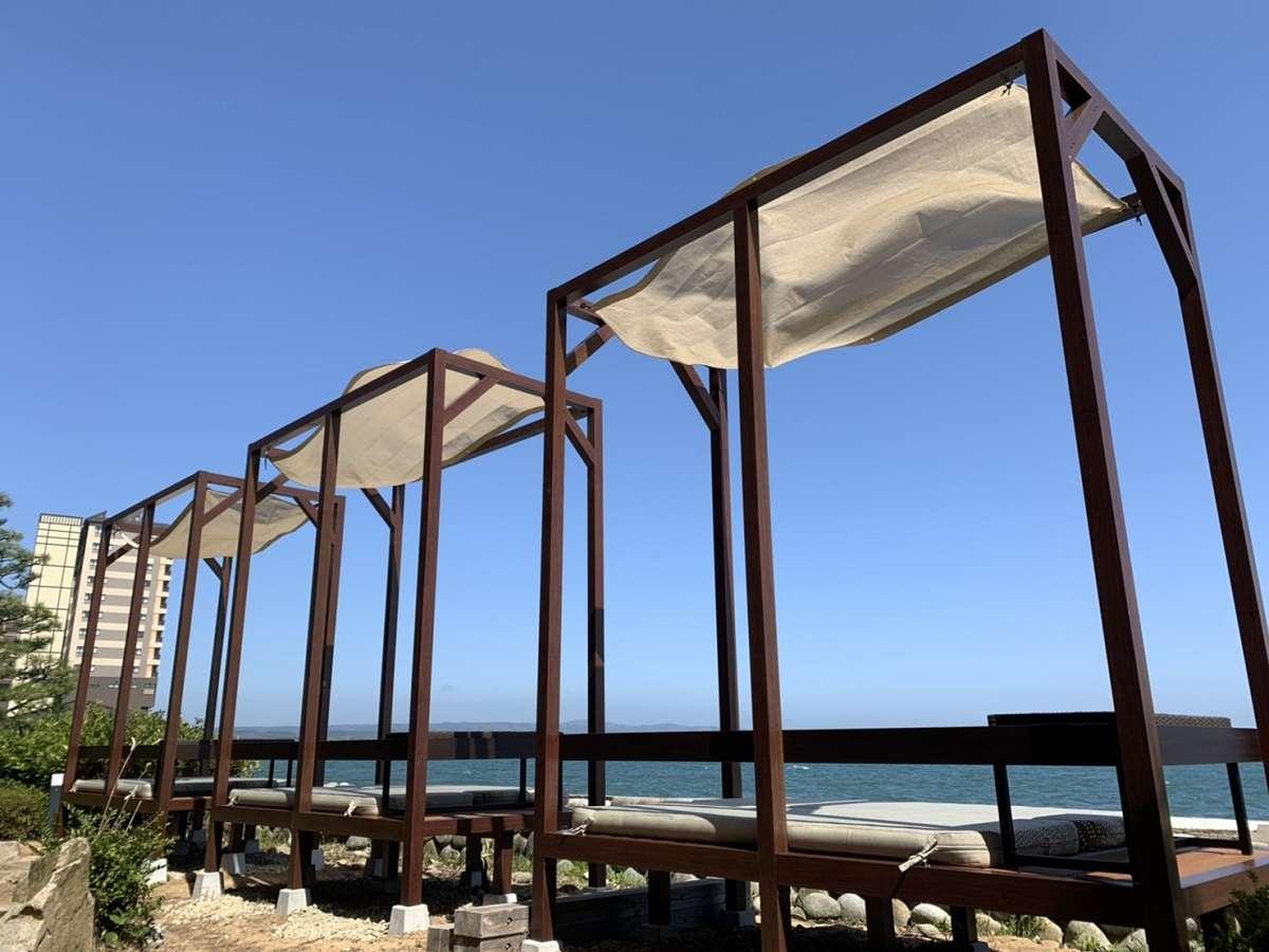 海の景色をのんびり楽しめるBテラスがOPEN!飲み物を御供にのんびりと海を眺めて至福のひとときを♪
