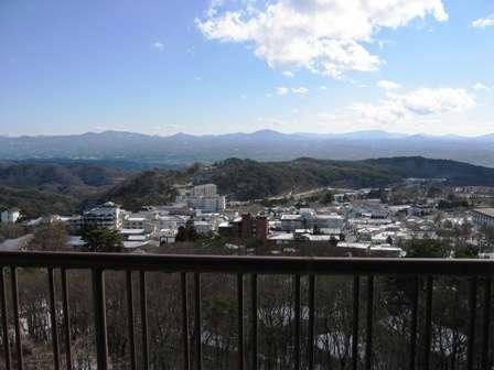 最上階からの冬の眺め(岳温泉街を望む)