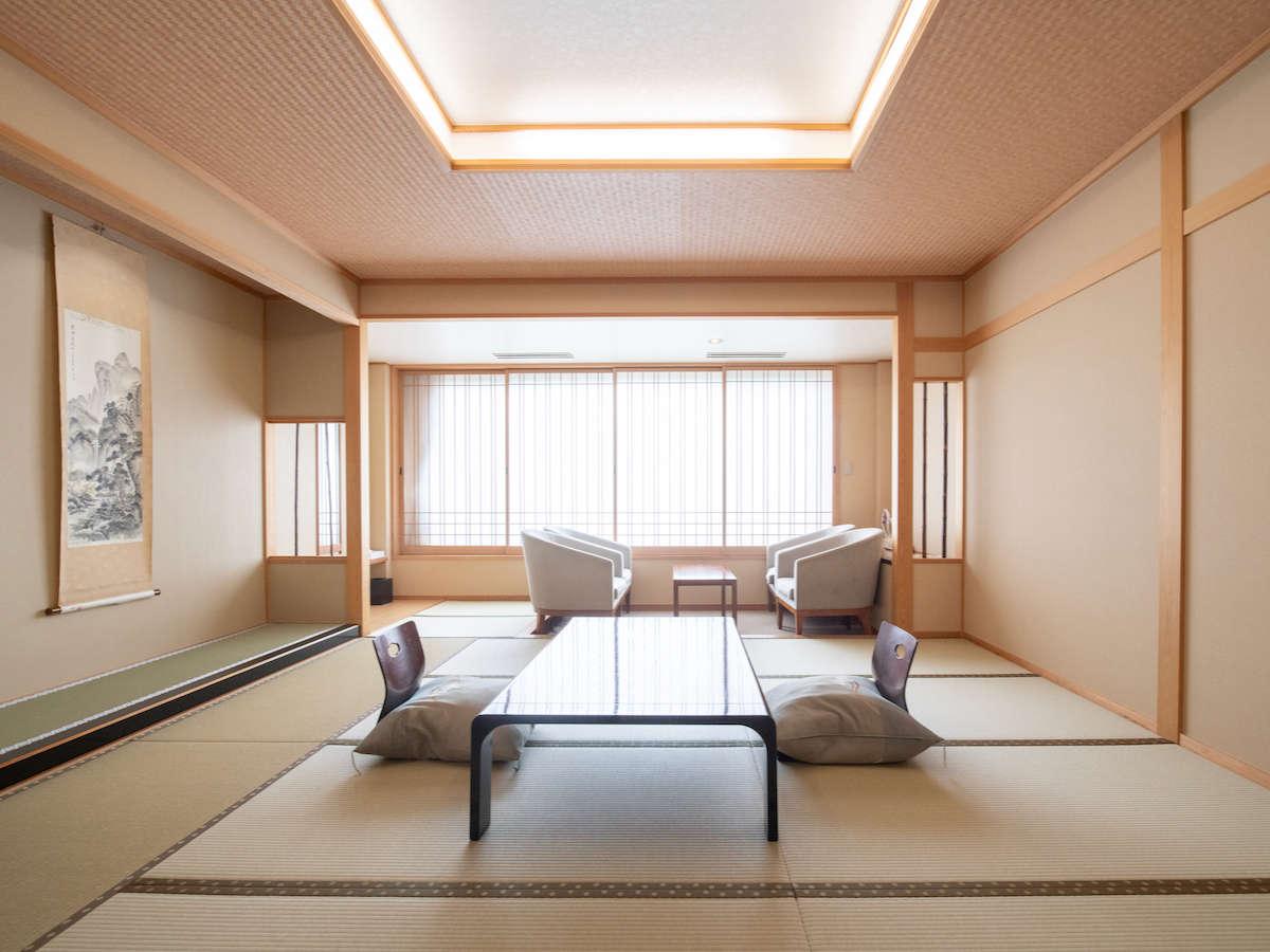 一般和室/全室東向きで、2階から4階のお部屋になります。 大きな窓からは阿武隈山系を一望できます