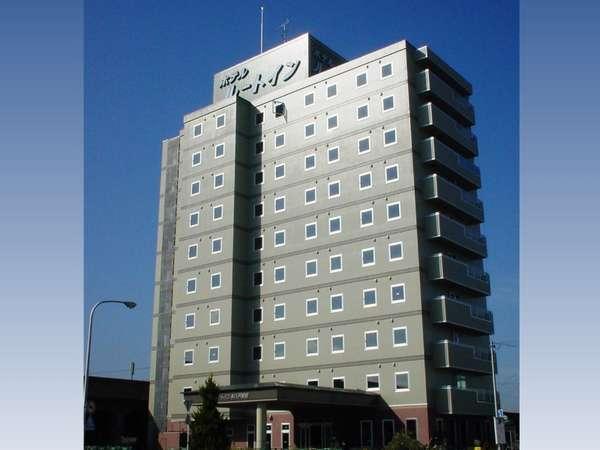 JR本八戸駅北口を出ると、直ぐに当ホテルが見えます。