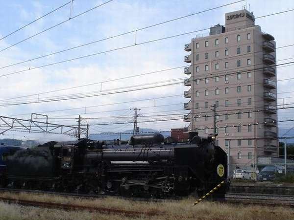 ホテルから観えるSL D51形式蒸気機関車