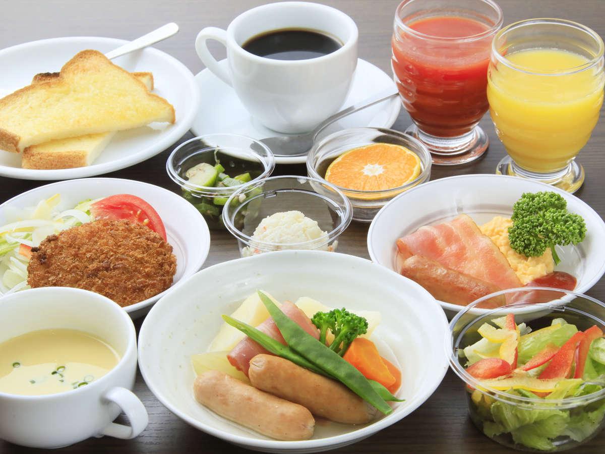 ご朝食は、バラエティ豊かなセットメニューをご用意します。