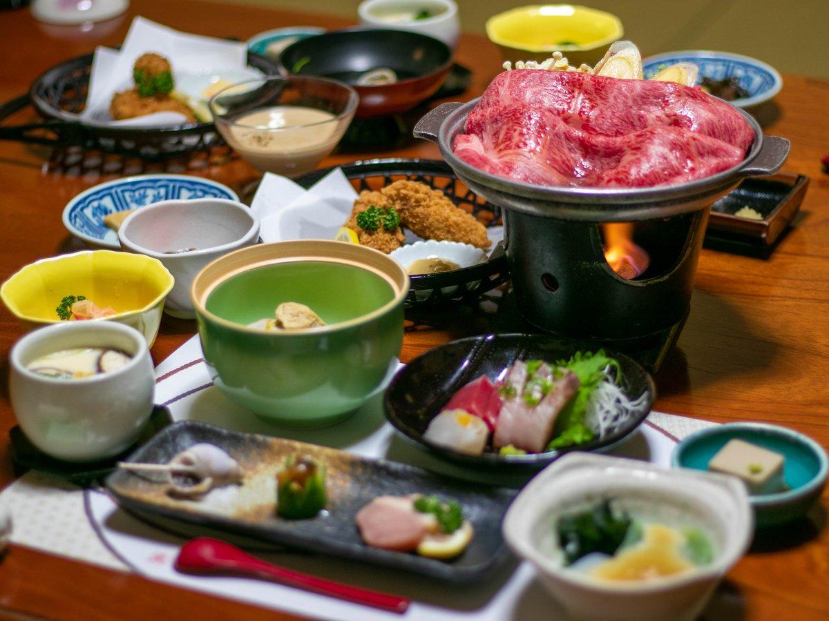 上州牛のすき焼きのお夕食。群馬のブランド肉やブランド野菜をたっぷりどうぞ(写真は一例)