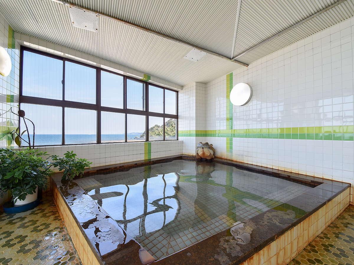 *【男湯】夫婦岩が見れる展望大浴場