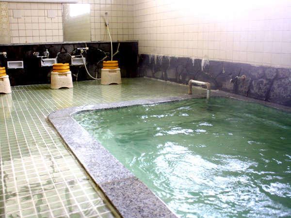 【かみのやま温泉】源泉掛け流しのお風呂が24時間入り放題♪ゆっくり湯治をお愉しみください。