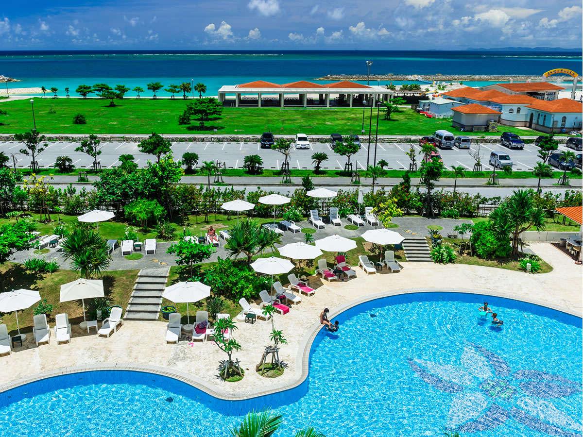 【4-10月まで遊泳可能】全長約70mのガーデンプールと徒歩1分の美々ビーチ