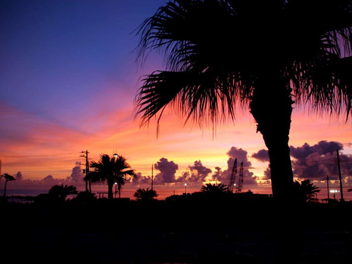 *風景/茜色に染まる空を見ながら、ゆったりとしたお時間をお過ごし頂けます。