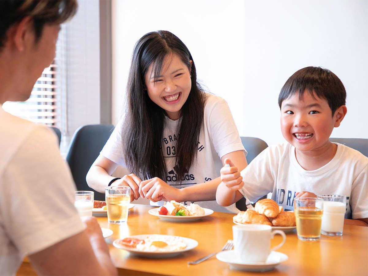 ◆朝食イメージ◆笑顔溢れるご家族での朝ごはんタイム♪