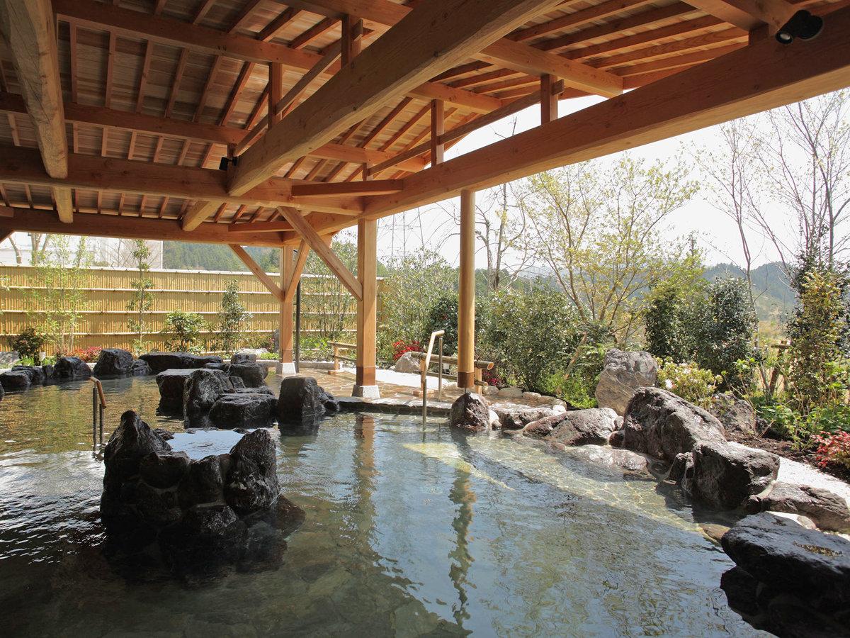 *【甲賀温泉やっぽんぽんの湯】露天風呂