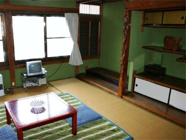 昔ながらの民宿客室です(一例)
