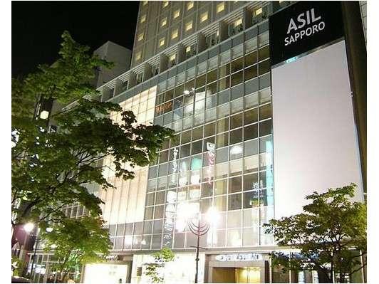 地下鉄すすきの駅4番出口より徒歩3分!ルートイングループ初の男性専用カプセルホテル!