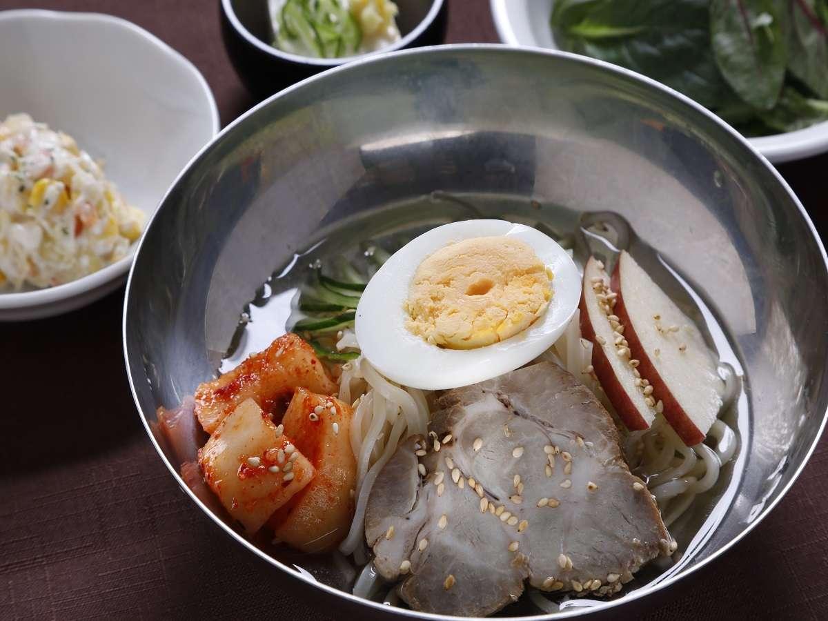 ご当地メニュー冷麺(イメージ)盛岡名物!つるつるシコシコの麺とあっさりスープがクセになりますよ♪