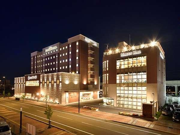 【ホテルWBFグランデ旭川】和洋室・コネクティングルームなどグループ旅行にも最適。(夜間外観)