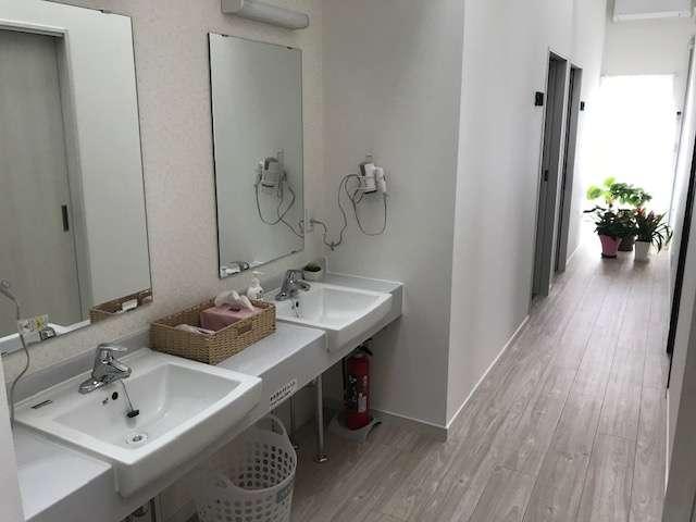 男女共用の洗面所です。
