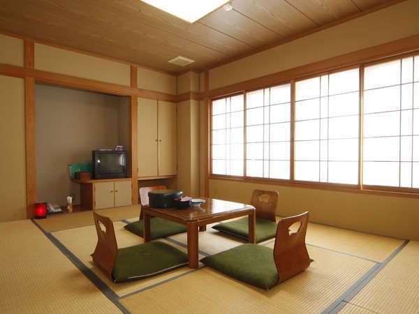 【眺めの良いゆったりひろびろ和室】タイプのお部屋イメージです。全室禁煙です。(*客室の一例です)