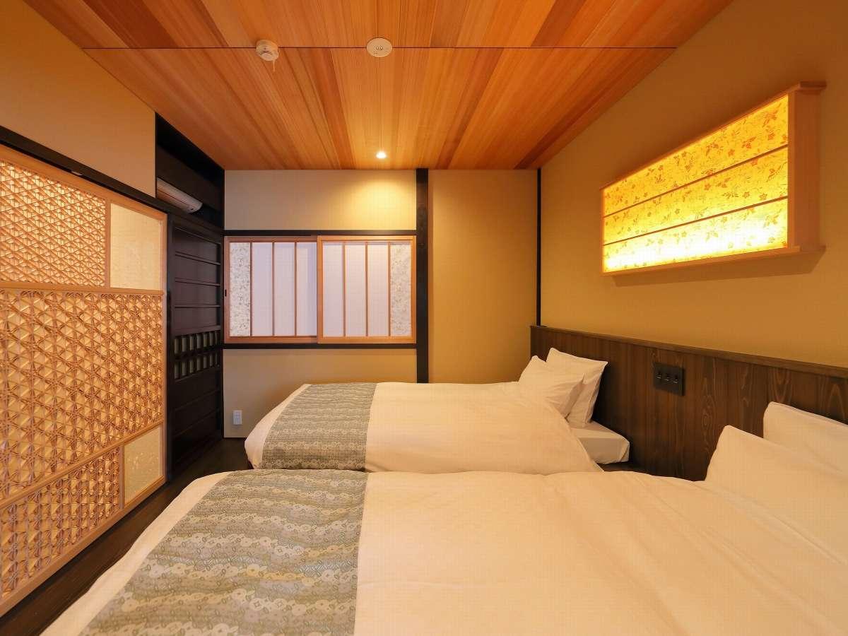 主寝室・組子と京唐紙の伝統工芸品の照明