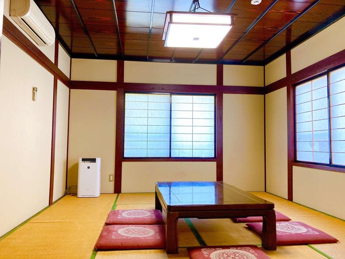 寝室は洋室と和室とご利用いただけます。