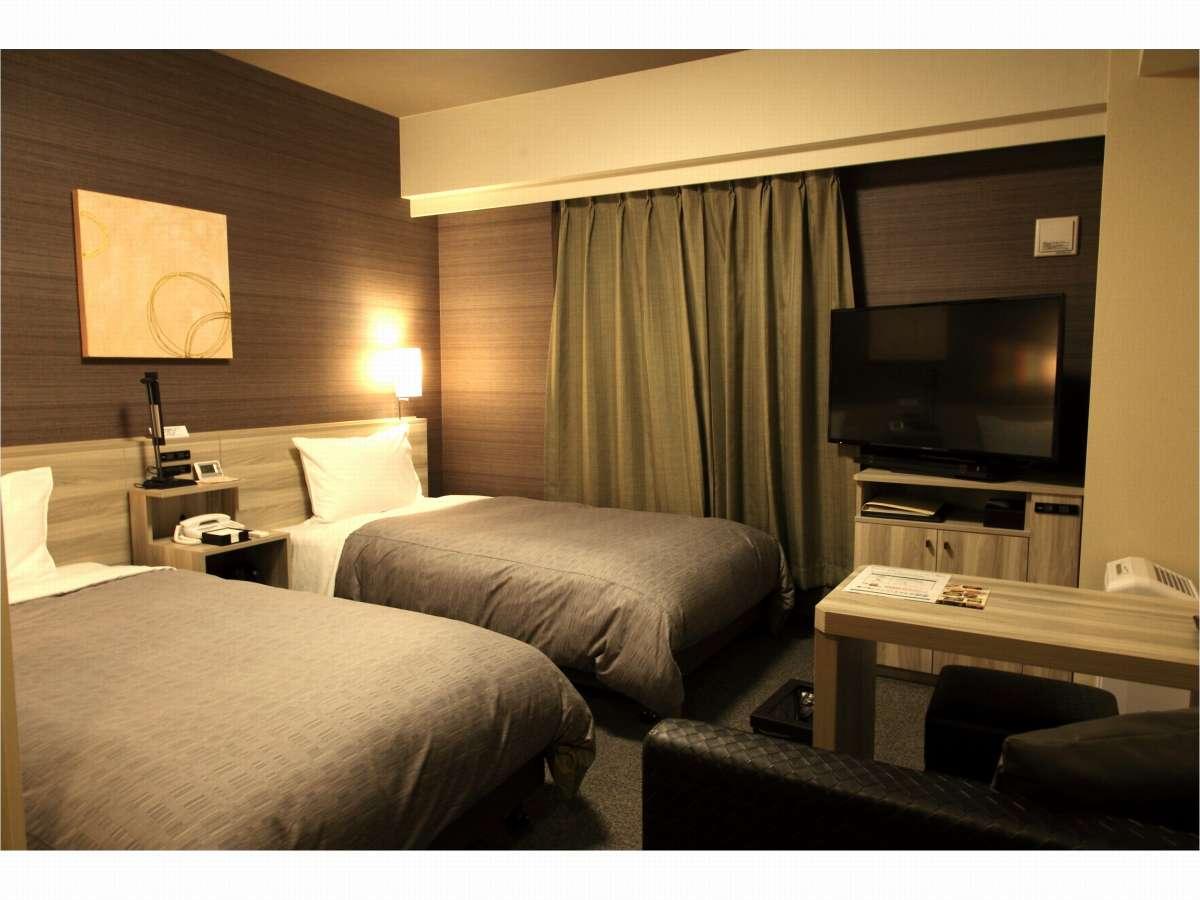 【スタンダードツインルーム】・ベッドサイズ⇒110×200CM ・全室WOWOW視聴可能 ・Wi-Fi接続可能