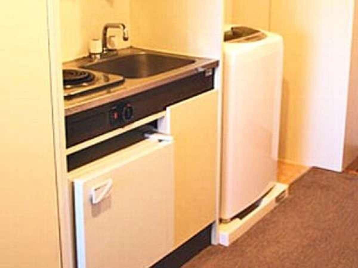 全室ミニキッチン・洗濯機完備  調理器具はご用意が御座いません。