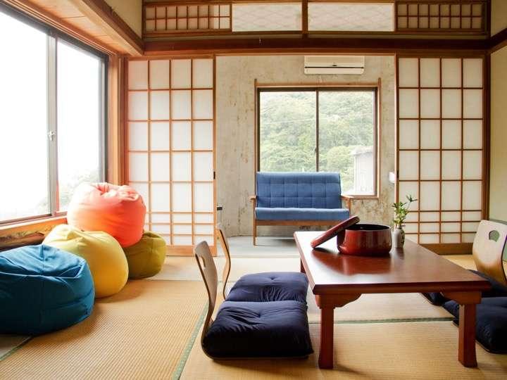 デラックスルームです。窓からは太平洋が望めます。