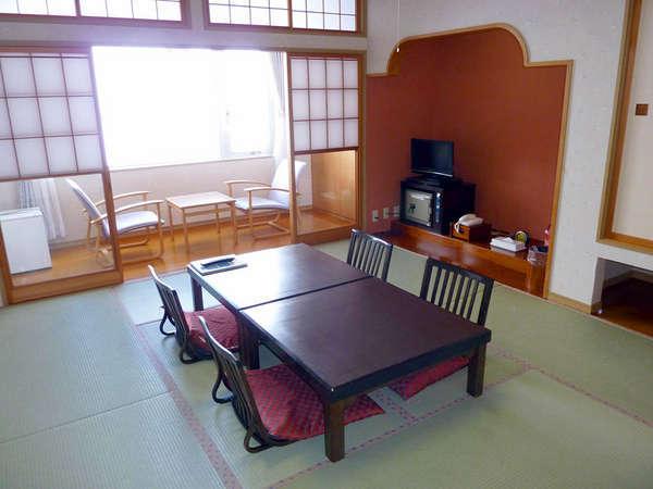 *眺めの良い和室10畳でのんびり過ごす♪