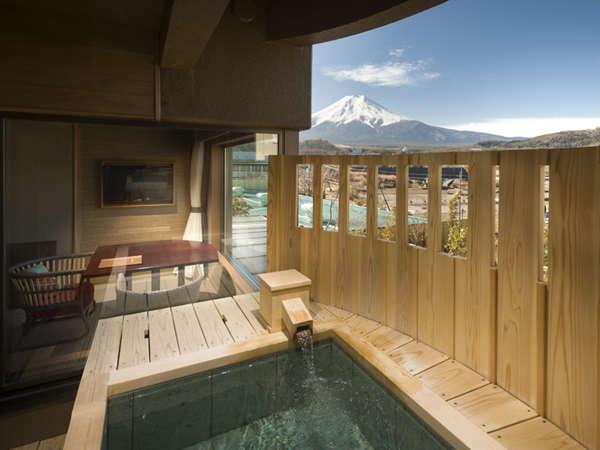 明見Bタイプ/富士山と対座する温泉露天風呂(写真は542号室)