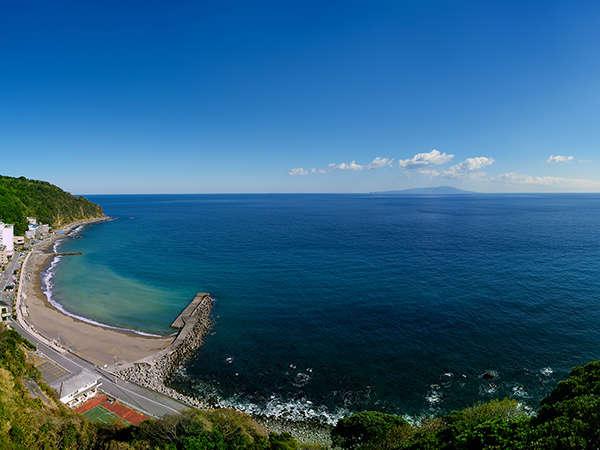 全室高台からの絶景、海の景色がご覧いただけます。