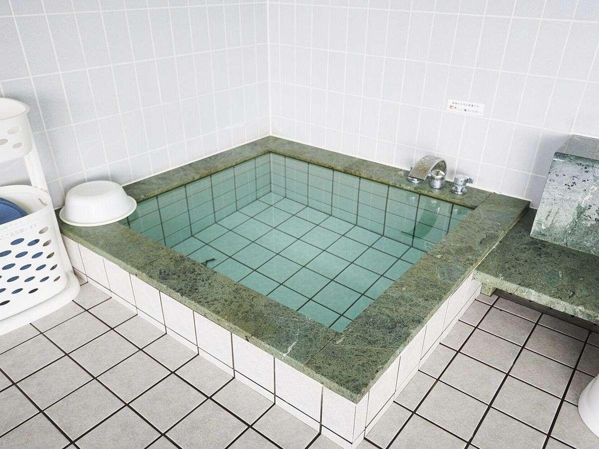 サウナ後の水風呂完備(男女)