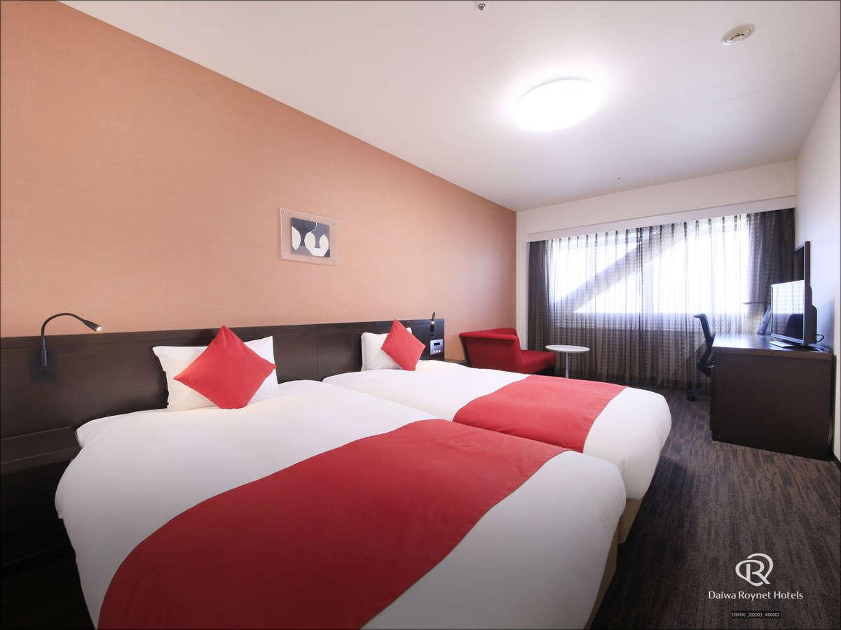 〈ツインルーム〉ベッドは隣接している部屋と離れている部屋がございます。