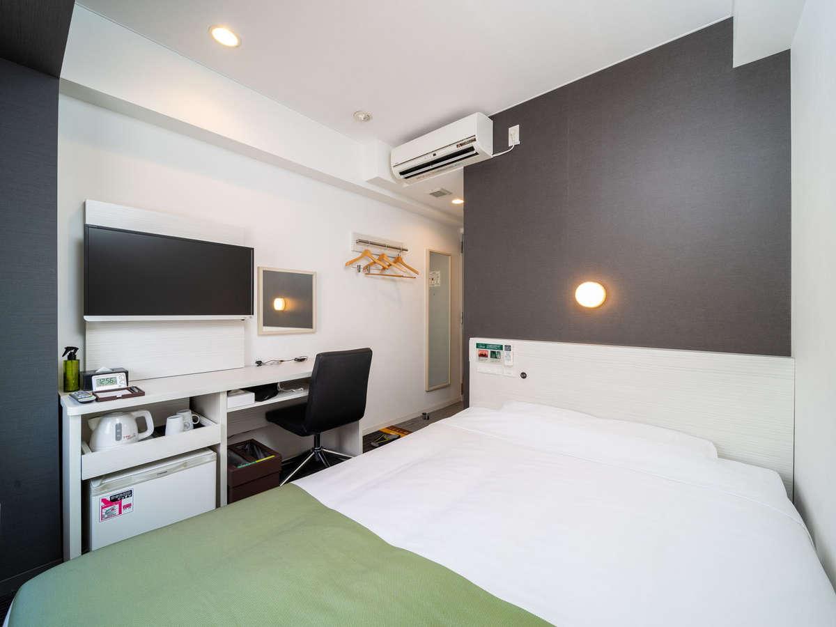 ダブルルーム☆眠りを追求した150㎝幅のワイドベッドと適度な硬さのマットでぐっすり