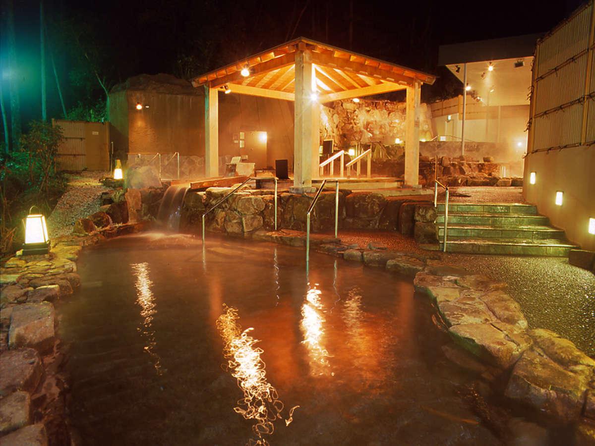 【外の湯<森林の湯>】ひのき風呂