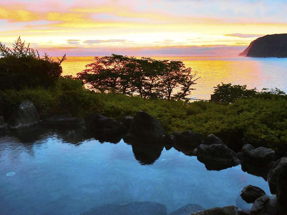 雨上がりの駿河湾を見渡す絶景露天風呂
