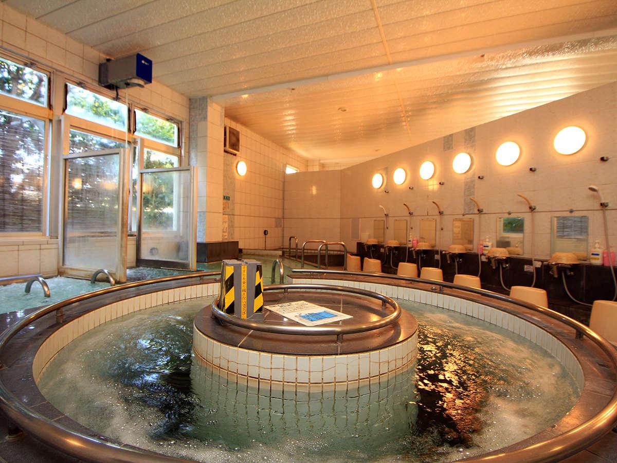 【浴場】名物『回転式歩行湯』は運動とリラクゼーションがマッチした血行促進浴