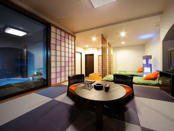 一段高くなっている居間スペース 景色も眼下に広がる雄大な景色を望める