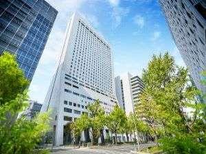 大阪ミナミの心斎橋に位置し、大阪メトロ心斎橋駅直結の快適アクセス