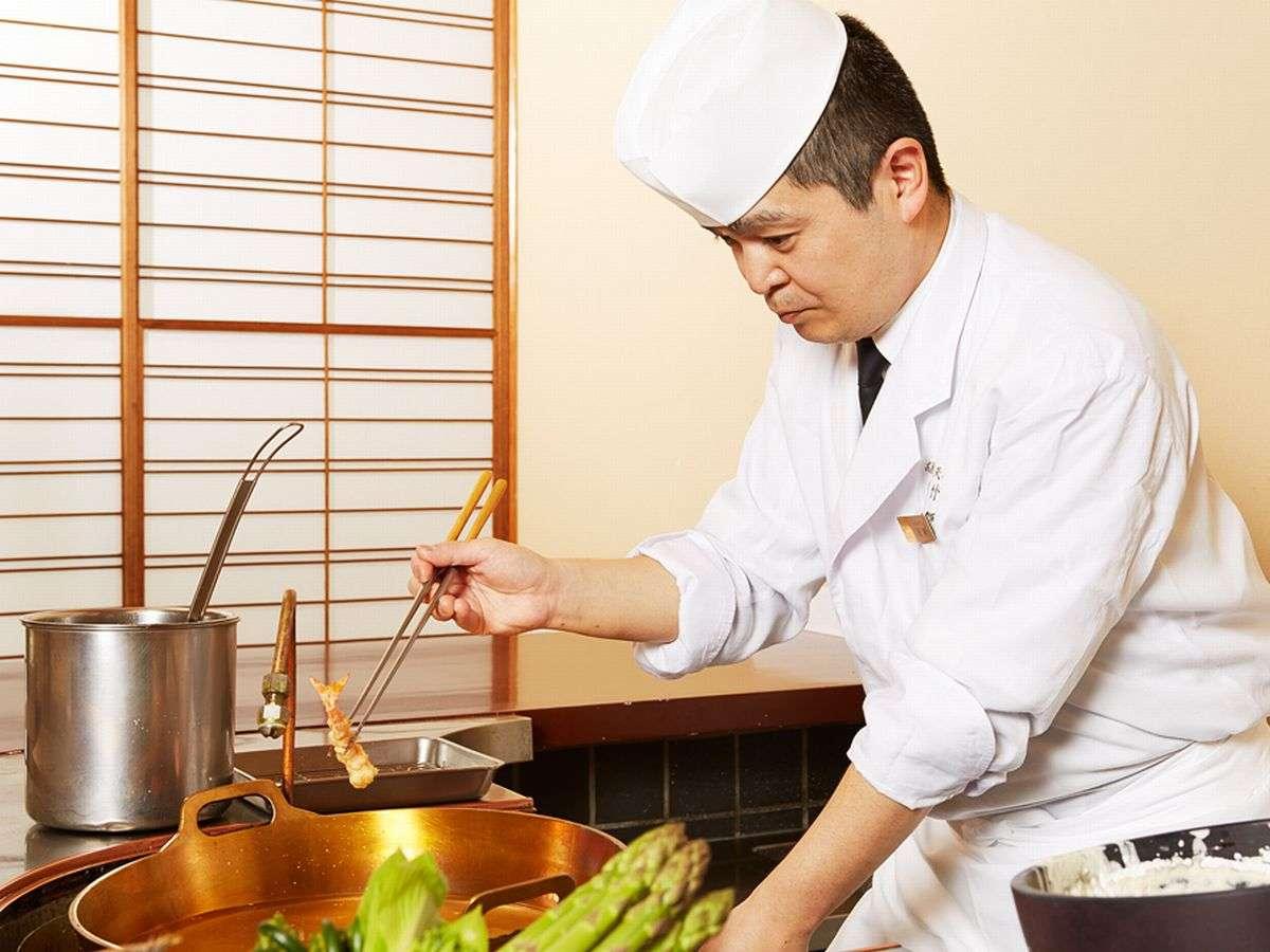 「天婦羅 若竹」四季の旬の素材を味わう至福のひとときをお楽しみください。