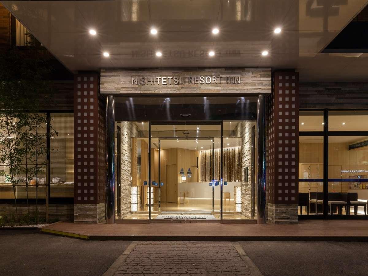 ホテル正面玄関です。