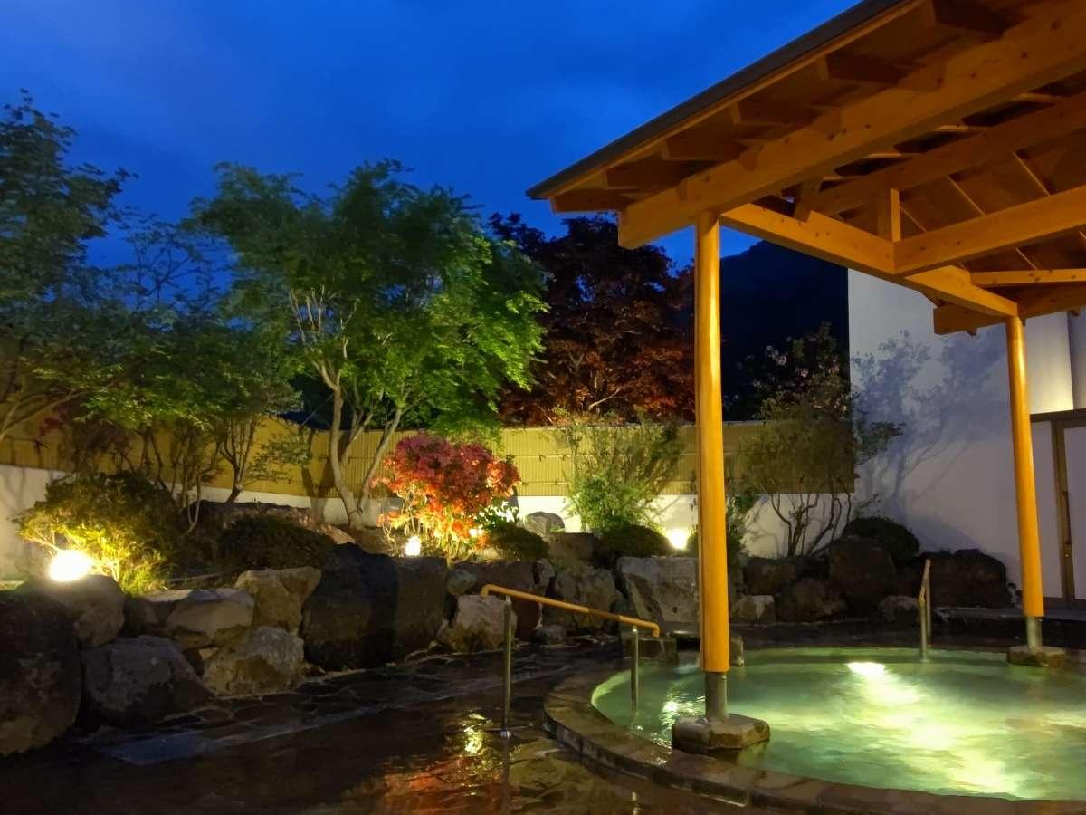 【星見の湯】時間入替の庭園風呂