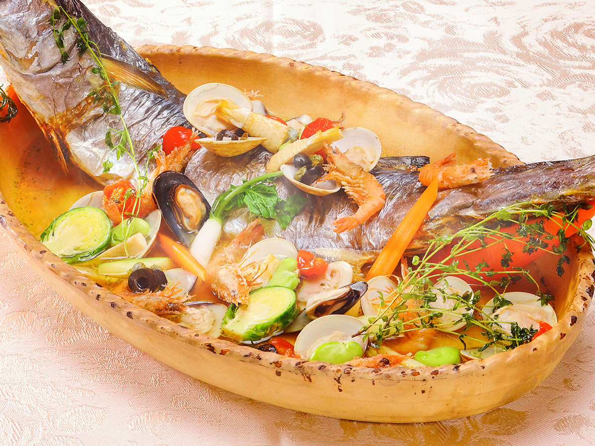 【4月5日~6月30日】春の料理フェア『鰆とはまぐりのアクアパッツァ~小えび唐揚げ乗せ~』※イメージ