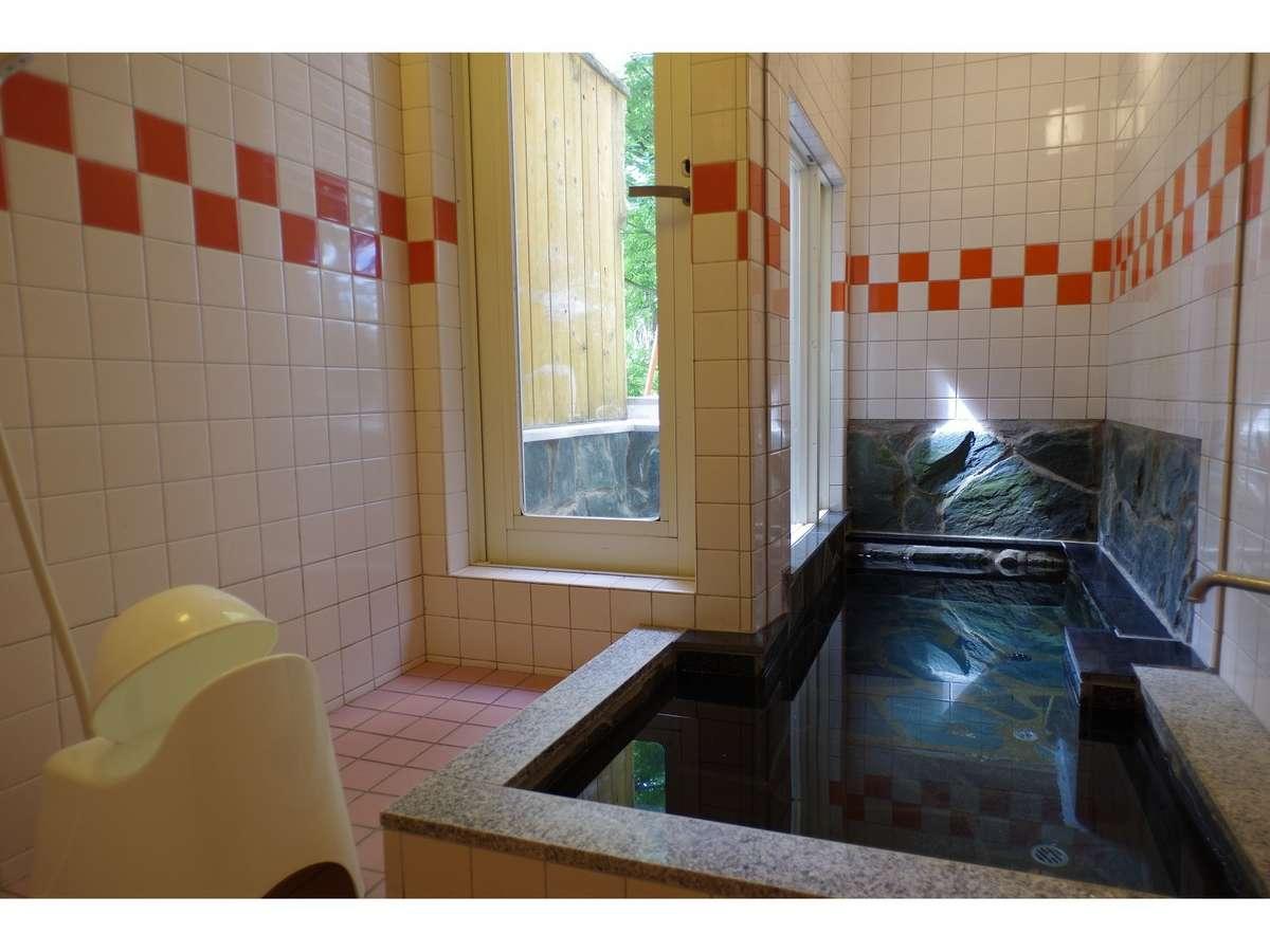 別館大浴場(別館の各部屋にあります)。本館は各部屋にユニットバスと大浴場が1つあります。