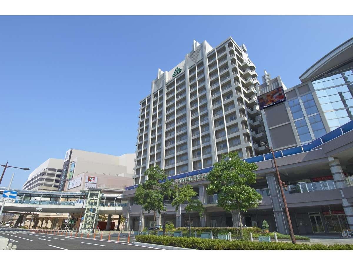ホテルはJR尼崎駅直結、改札より徒歩1分程の場所にございます