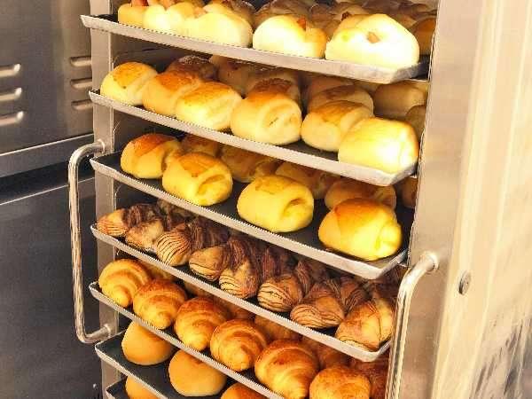 焼き立てパンは種類が豊富◎