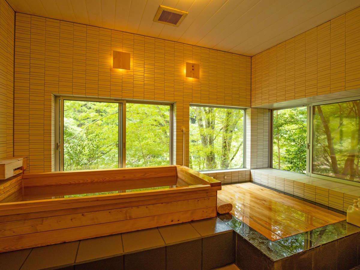 四国カルストの麓、四万十川源流の町に湧く天然温泉。檜の湯と離れの湯の2カ所で貸切できる。